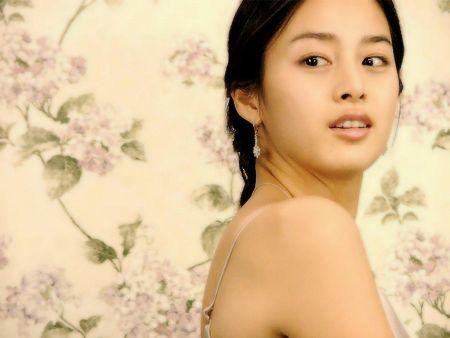Foto Kim Tae Hee Kecantikan Alami Korea 35