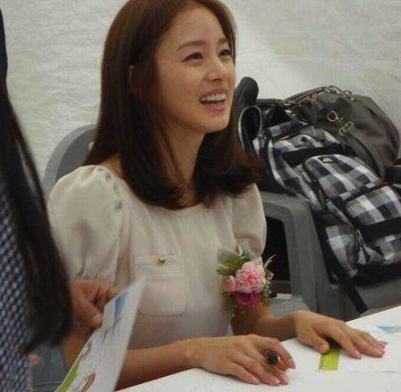 Foto Kim Tae Hee Kecantikan Alami Korea 42