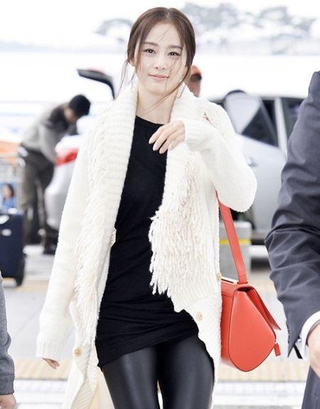 Foto Kim Tae Hee Kecantikan Alami Korea 46