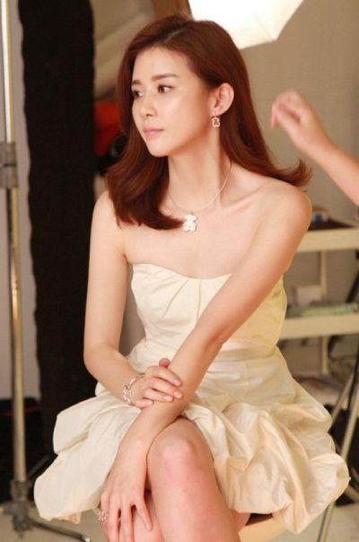 Foto Lee Bo-young Aktris Korea yang Cantik 1