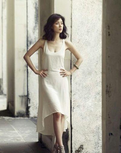 Foto Lee Bo-young Aktris Korea yang Cantik 9