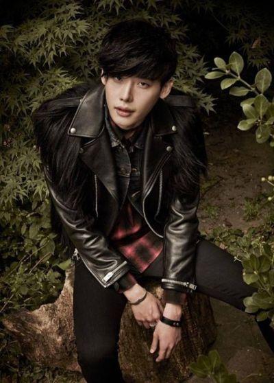 Foto Lee Jong-suk Aktor Ganteng dan Keren 14