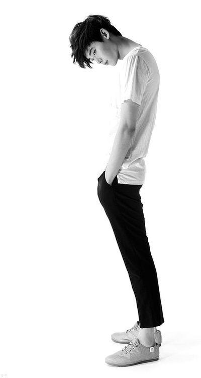 Foto Lee Jong-suk Aktor Ganteng dan Keren 17