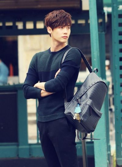 Foto Lee Jong-suk Aktor Ganteng dan Keren 4