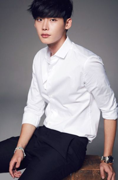 Foto Lee Jong-suk Aktor Ganteng dan Keren 6