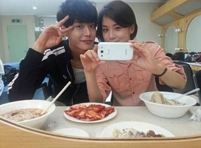 Foto Mesra Lee Jong-suk dan Lee Bo-young 15