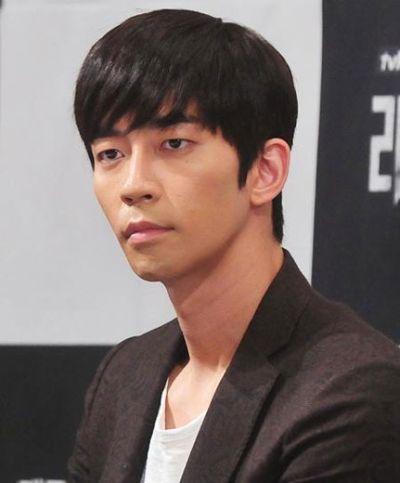 Kumpulan Foto Aktor Korea Shin Shung-rok 23