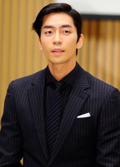 Kumpulan Foto Aktor Korea Shin Shung-rok 41