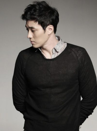 Foto Aktor Ganteng Korea So Ji-sub 21