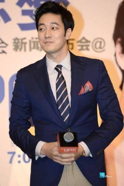 Foto Aktor Ganteng Korea So Ji-sub 31