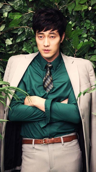 Foto Aktor Ganteng Korea So Ji-sub 35
