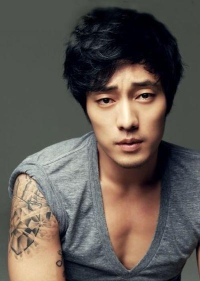 Foto Aktor Ganteng Korea So Ji-sub 8