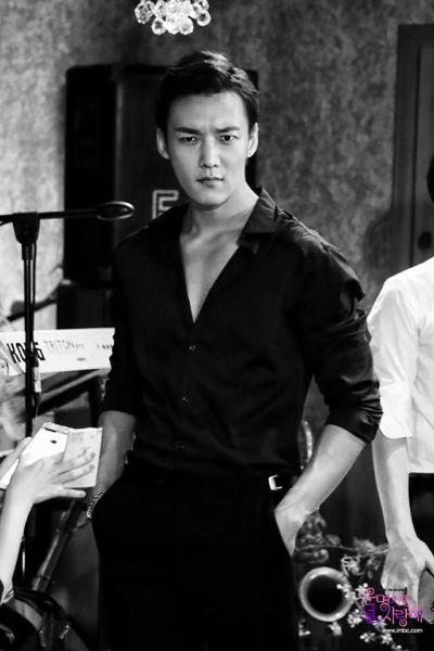 Foto Keren Choi Jin Hyuk 4