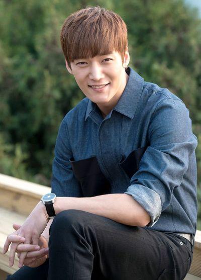 Foto Keren Choi Jin Hyuk 7